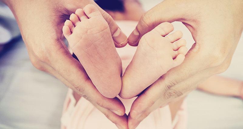 赤ん坊の足
