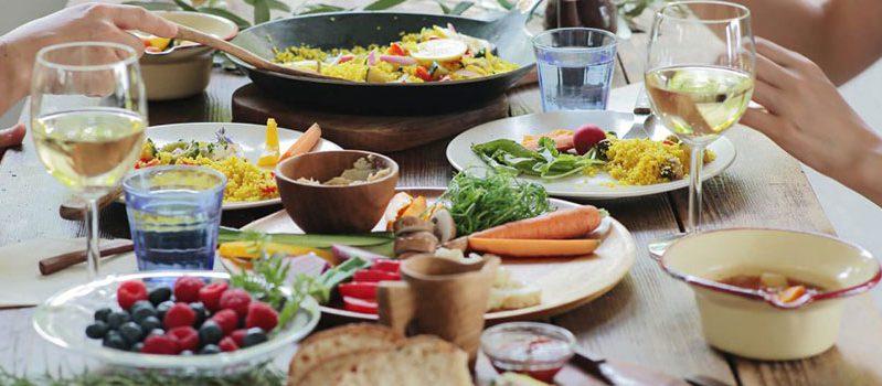 乾燥肌になるのは食事習慣が原因かも?